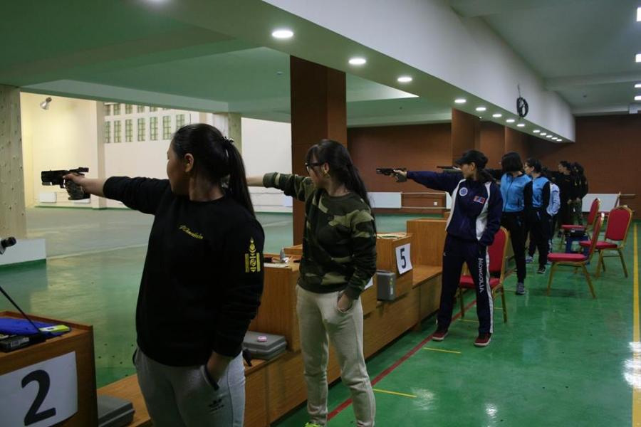 Буудлага спортын залуучуудын улсын аварга эхэллээ